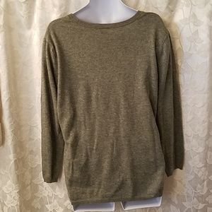 H&M Sweaters - H & M gray sweater
